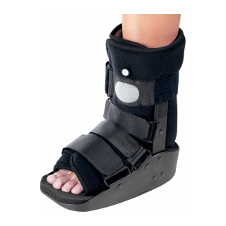 DonJoy MaxTrax Air Ankle - On Ankle 3/4 View