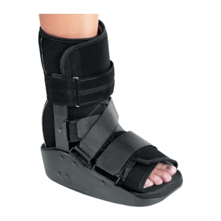 DonJoy MaxTrax Ankle - On Ankle 3/4 View