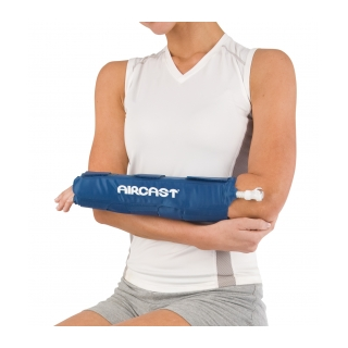 Aircast Hand/Wrist Cryo/Cuff - On Arm