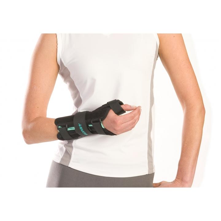 A2 Wrist Brace With Thumb Spica Djo Global