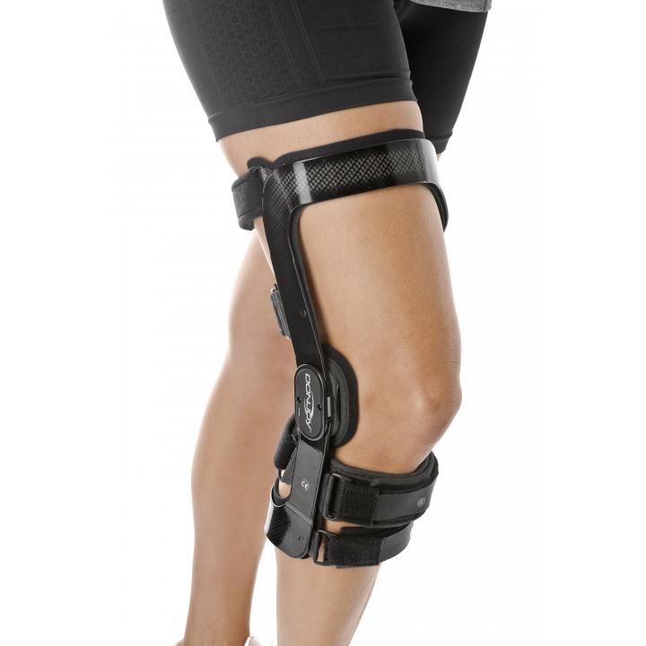 DonJoy OA FullForce Knee Brace - On Knee 3/4 View