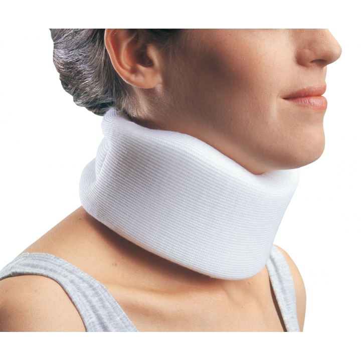 Procare Universal Clinic Collar - In Use