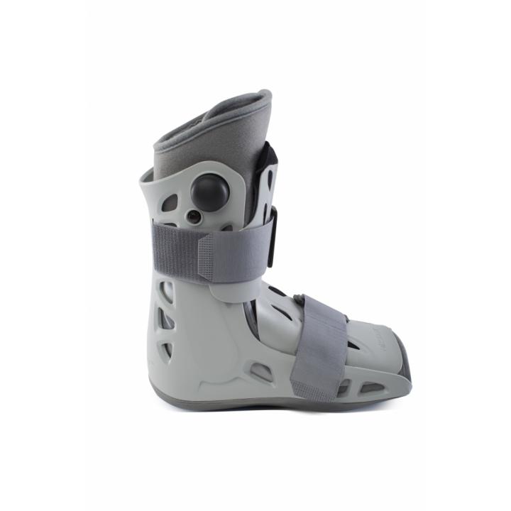 AirSelect Short Walking Boot