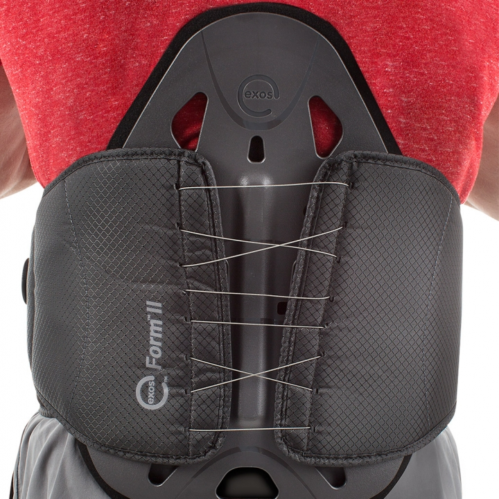 Exos FORM II 631 - Model - Back - Close
