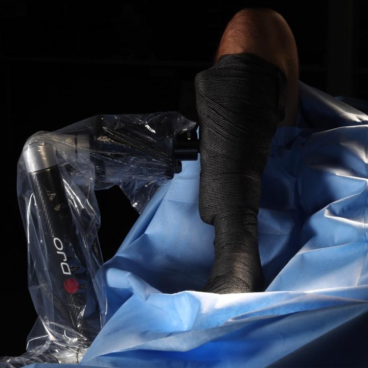 ADAPTABLE Knee - On table